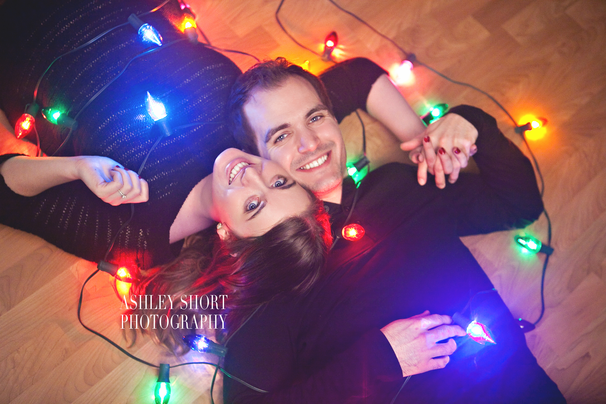 engagement portrait, couples portrait, fun engagement pictures, vintage christmas lights, ashley short photography, toledo ohio photographer, archbold ohio photographer