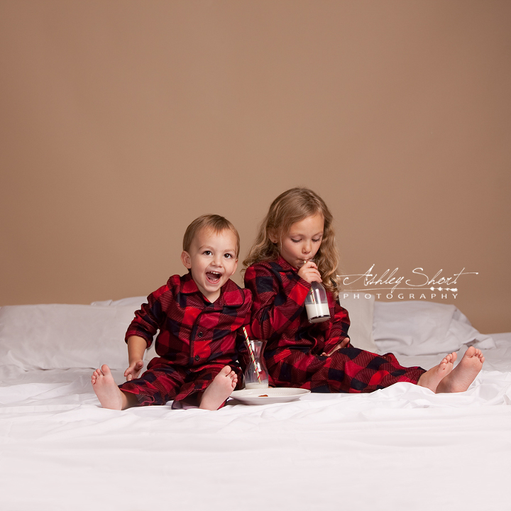 christmas session, holiday session, cookies and milk theme portrait, the night before christmas theme session, holiday mini session, christmas mini session